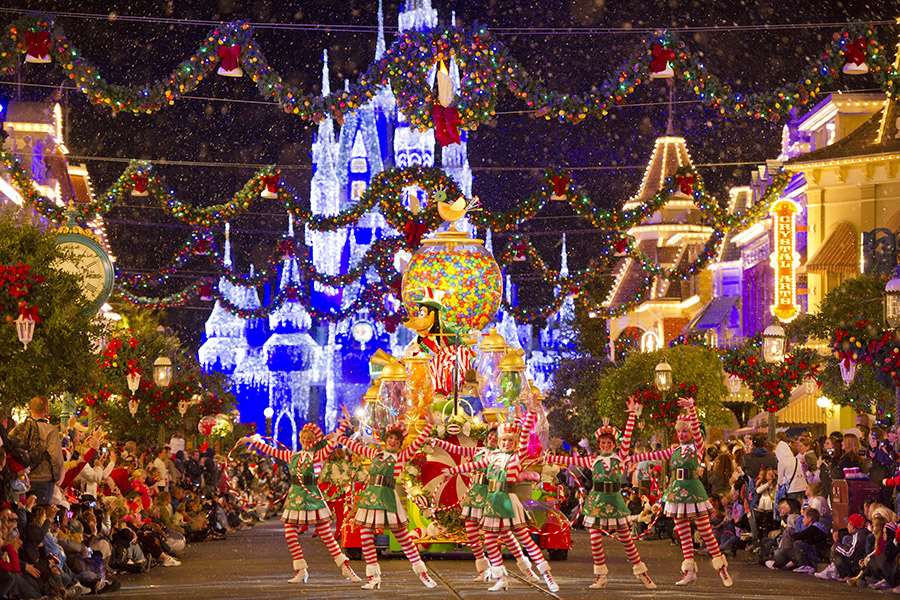 parade at florida this christmas vagabond images